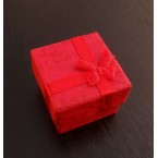 Červená krabička