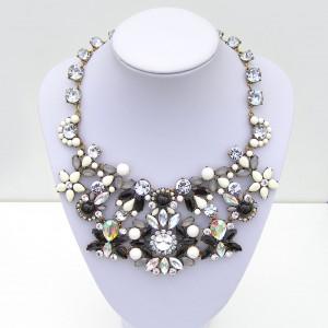 9e7990454 Čierny náhrdelník - Zu-Bižu (Dotyk krásy) Svadobná, Bižutéria ...